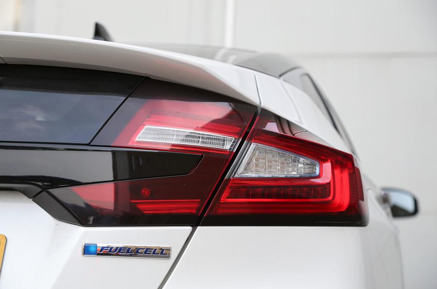 Honda Clarity FCV rear light