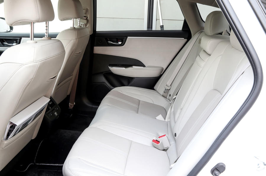 Honda Clarity FCV rear seats