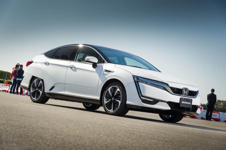 4 star Honda FCV Clarity
