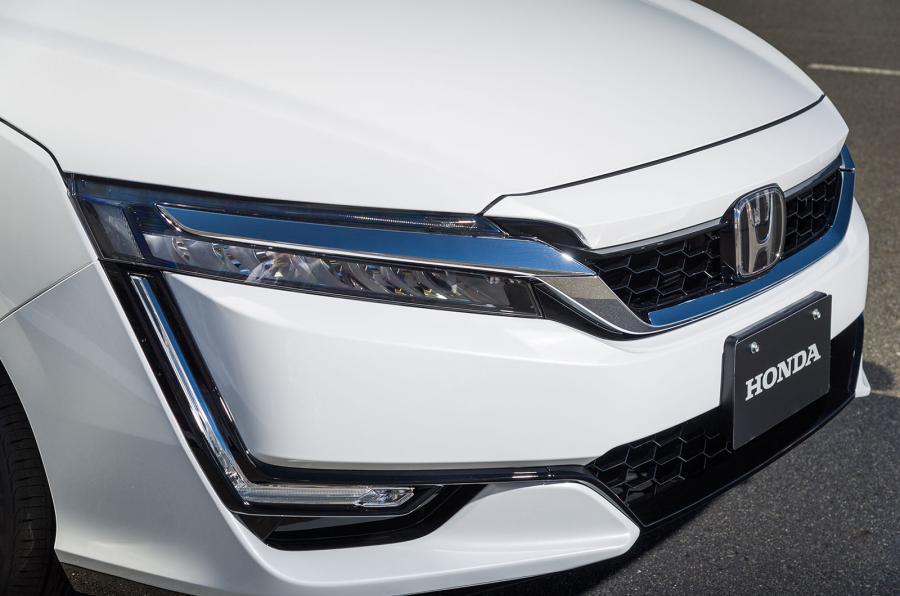 Honda FCV Clarity front end