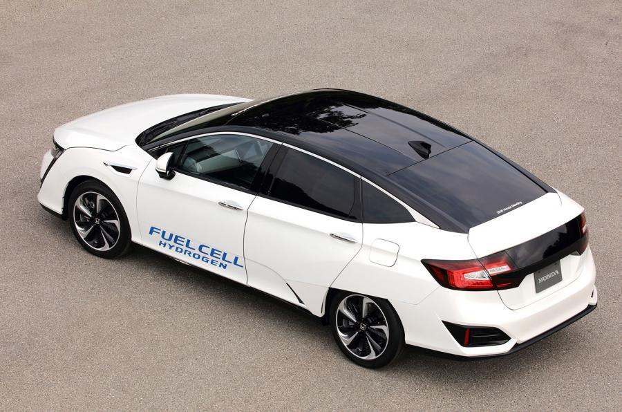 Honda FCV Clarity rear quarter