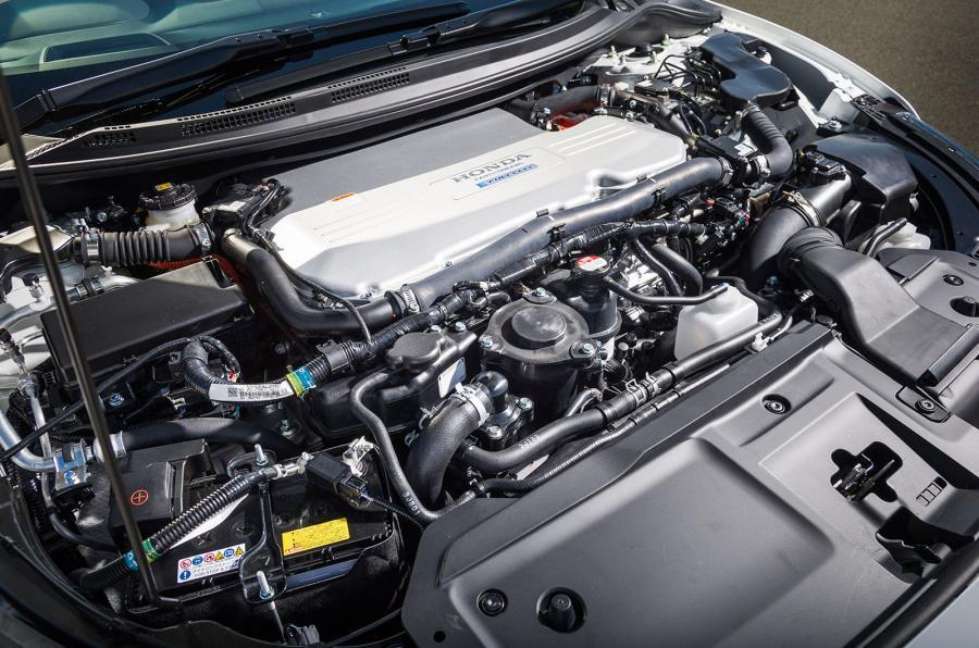 Honda FCV Clarity's engine bay