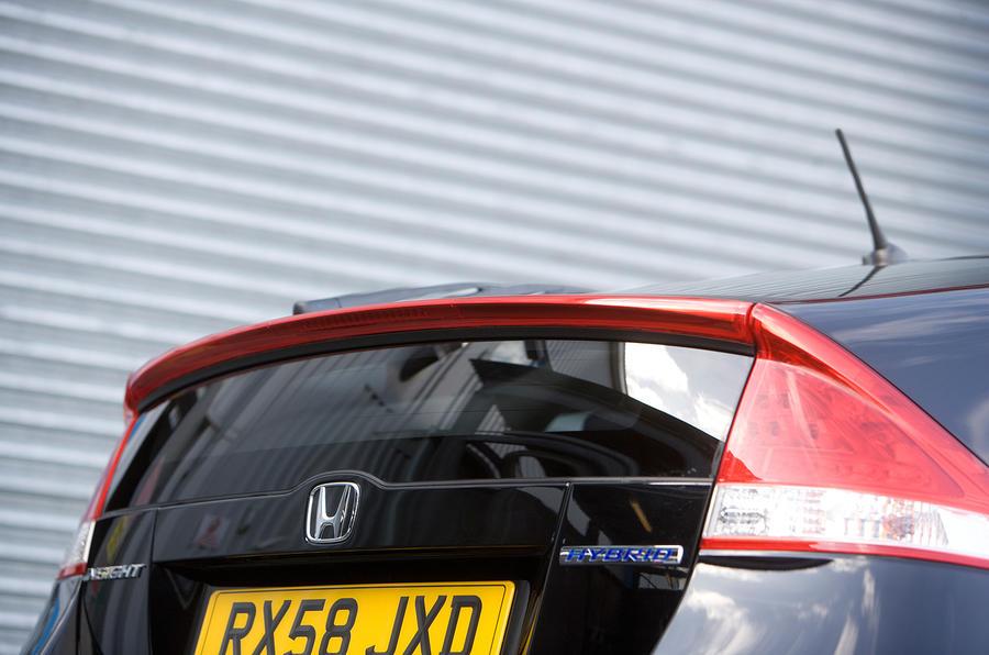 Honda Insight Prius-styled tail