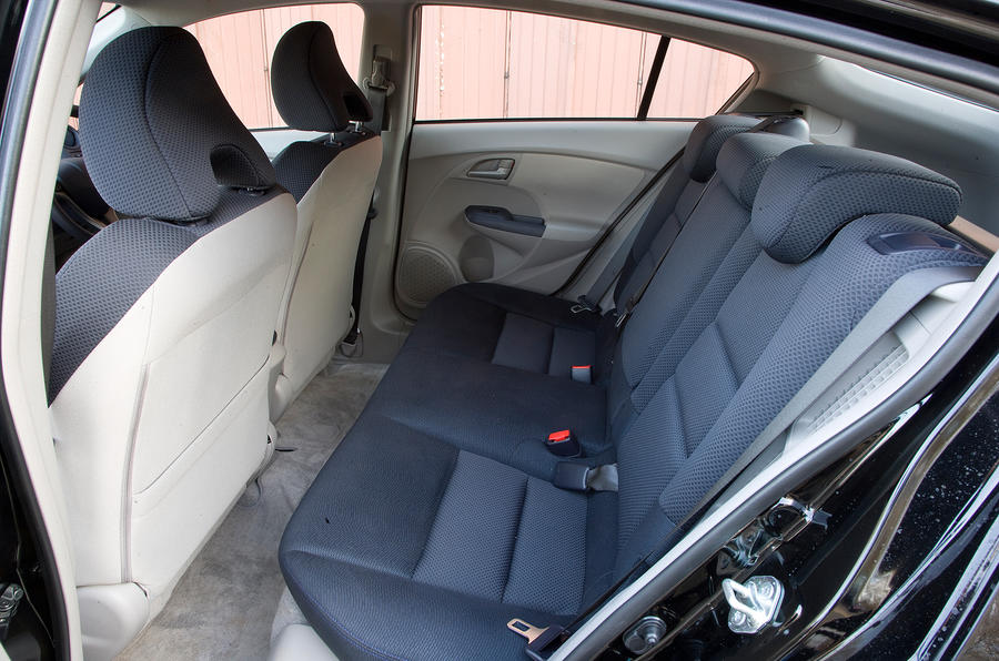 Honda Insight rear seats