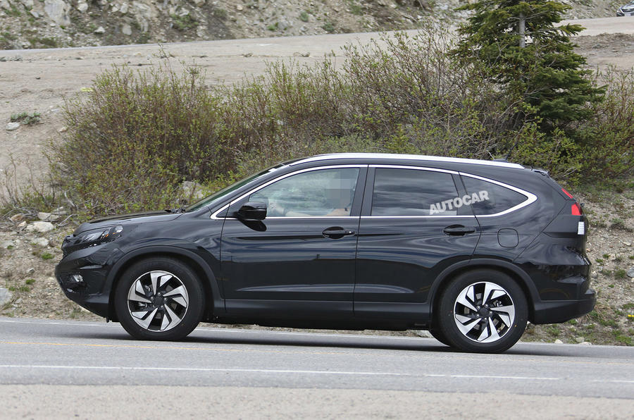 Facelifted Honda CR-V spotted testing for the first time