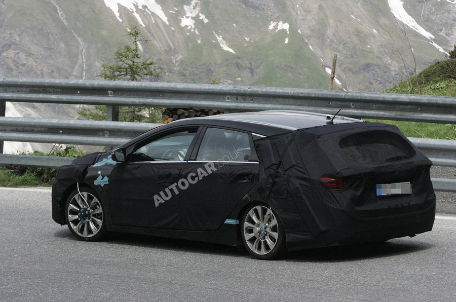 Hyundai i40 estate: first pics