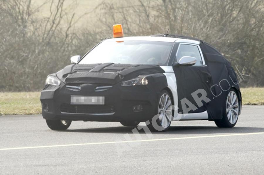 Radical Hyundai Veloster spied