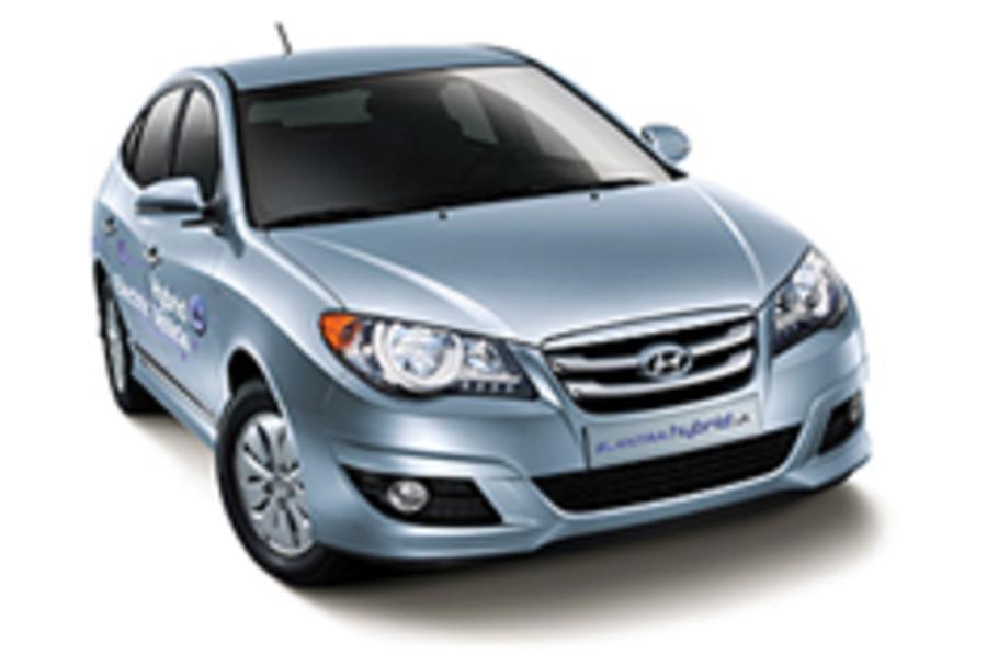 Hyundai launches hybrid saloon