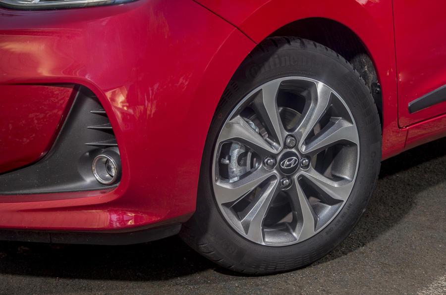 Hyundai i10 alloy wheels