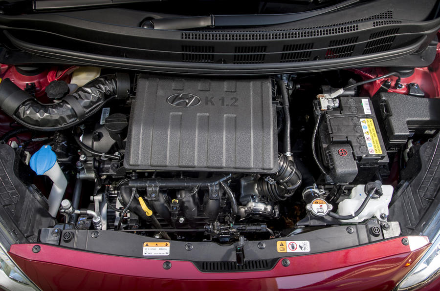 Hyundai i10 engine bay