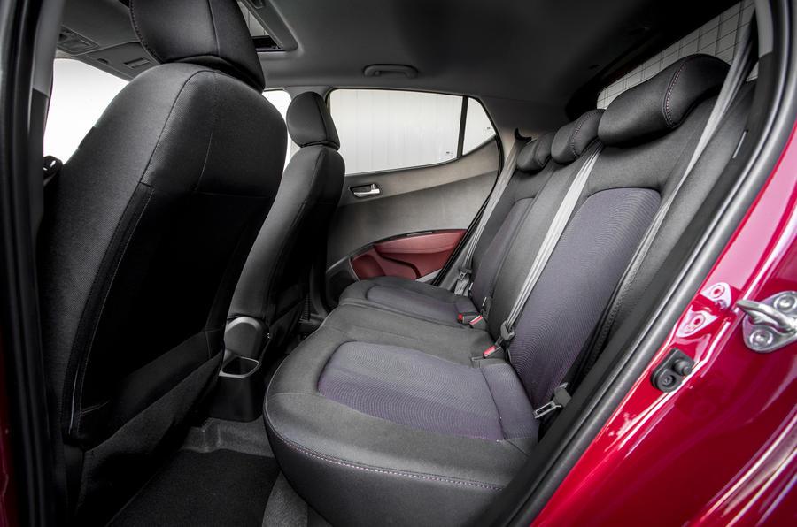 hyundai i10 review 2017 autocar. Black Bedroom Furniture Sets. Home Design Ideas