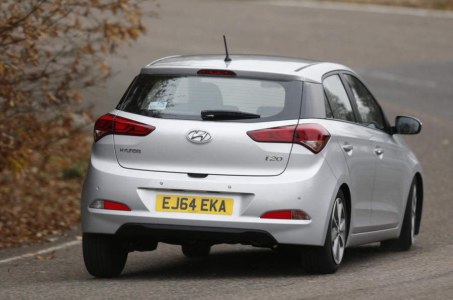 Hyundai i20 rear cornering