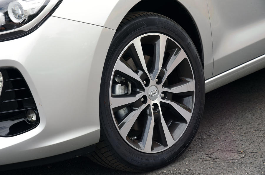17in Hyundai i30 alloy wheels