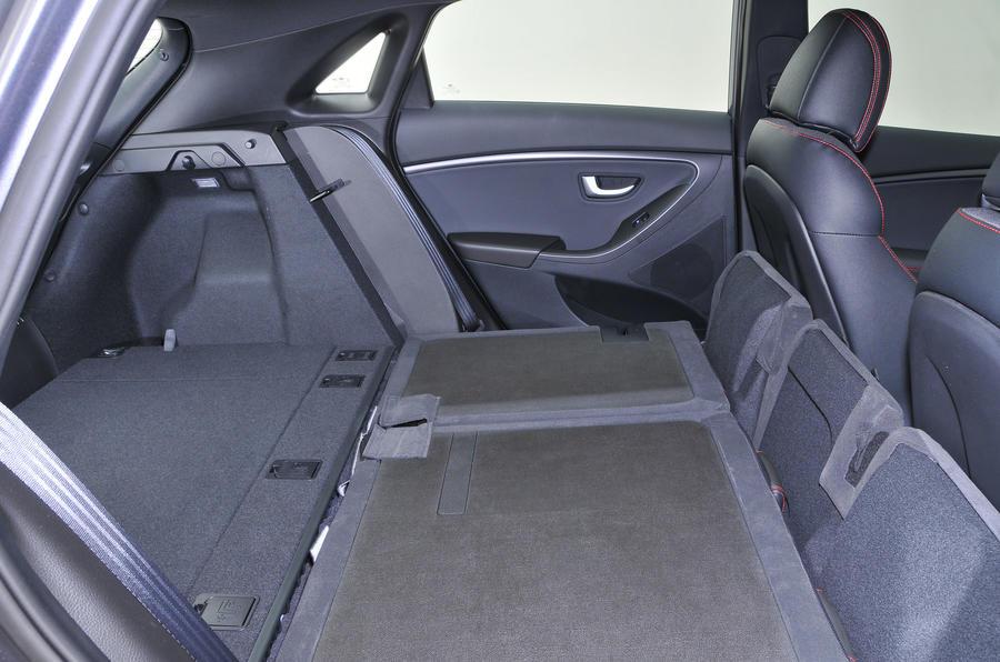 Hyundai i30 folded seats
