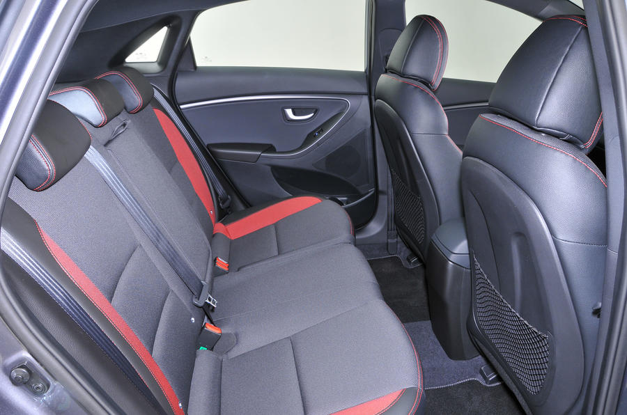 Hyundai i30 Turbo rear seats