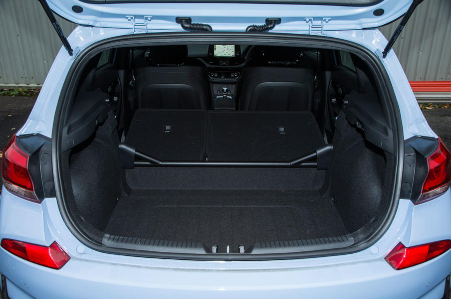 Hyundai i30 N extended boot space