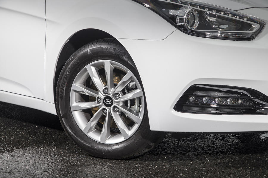 16in Hyundai i40 alloy wheels