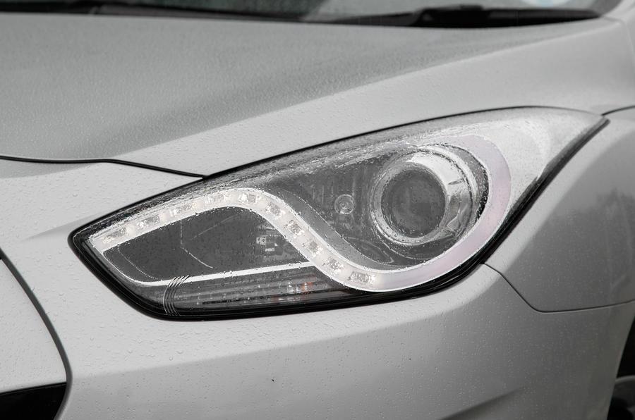 Hyundai i40 xenon headlight
