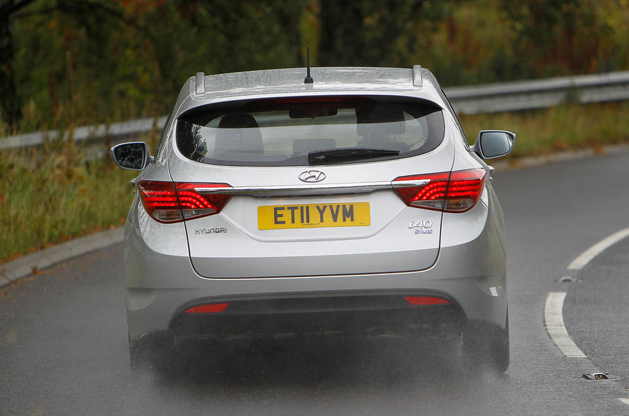 Hyundai i40 Tourer rear cornering