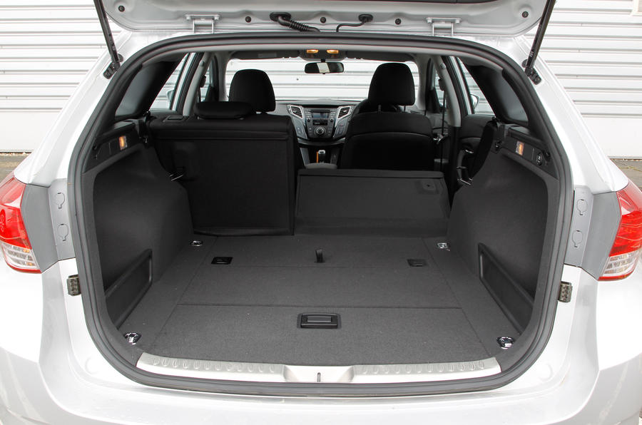 Hyundai i40 Tourer boot space
