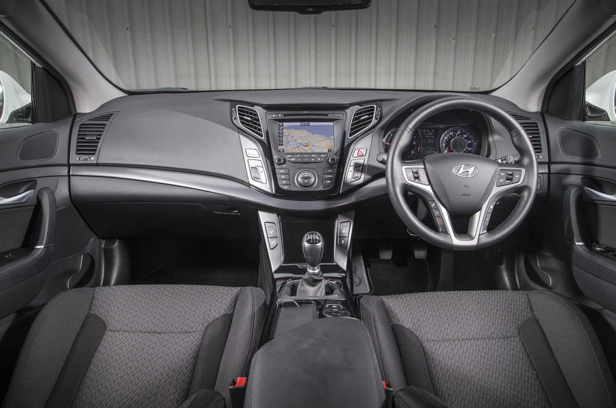 Hyundai i40 dashboard