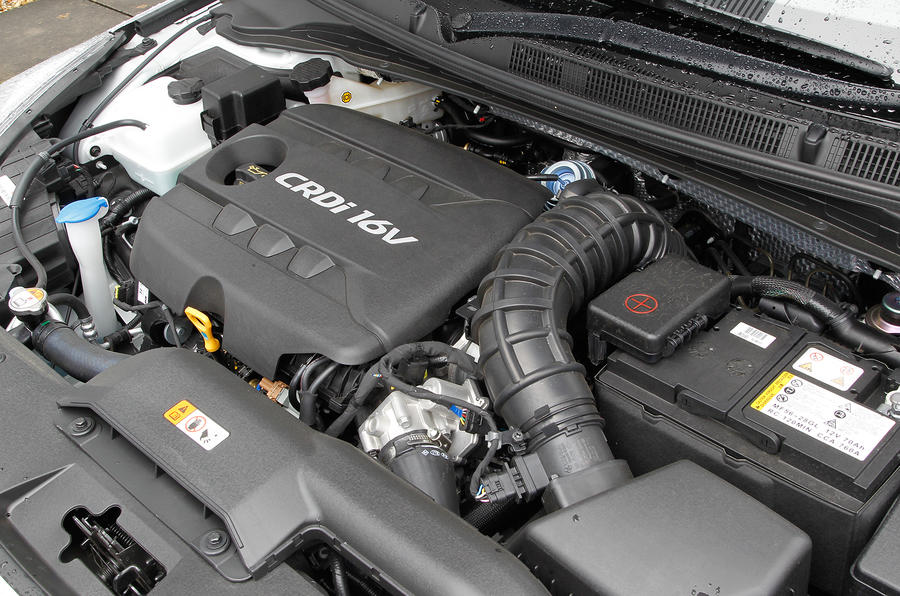 Hyundai i40 Tourer engine bay