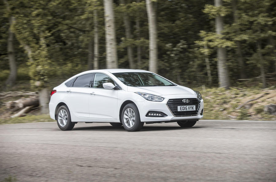 Hyundai i40 side profile