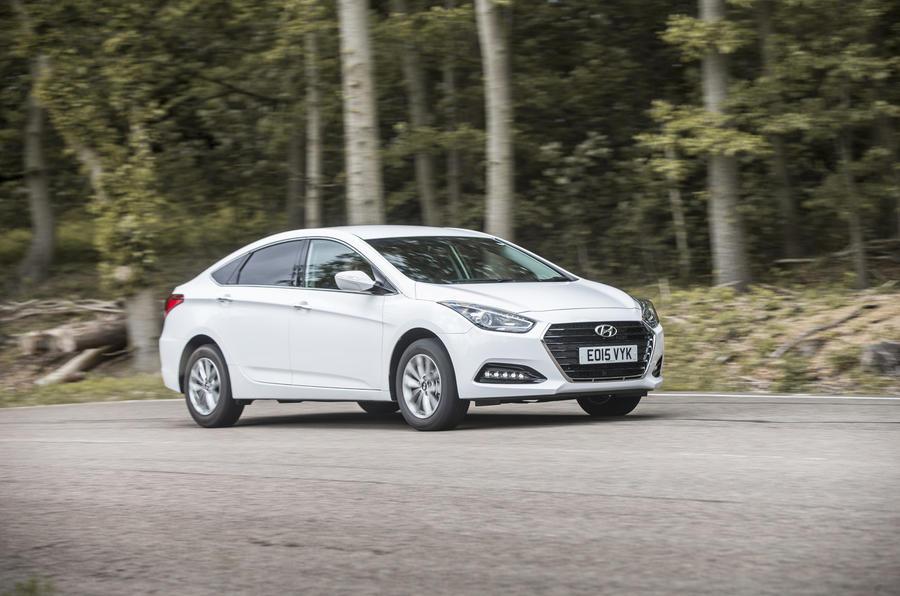 Hyundai i40 side profile