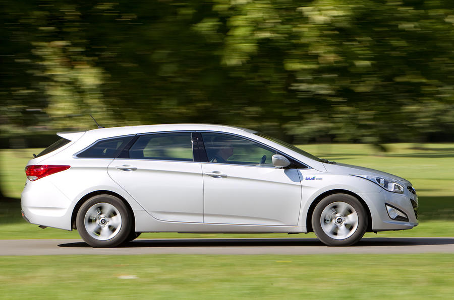 Hyundai i40 Tourer side profile