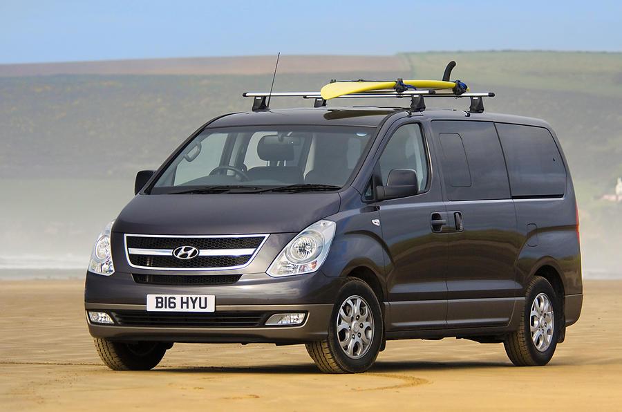 3 star Hyundai i800 MPV
