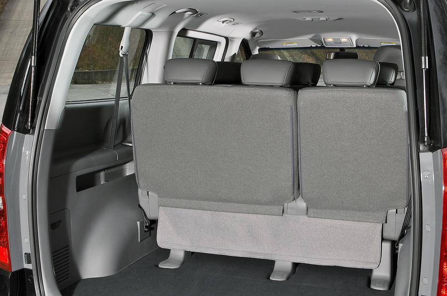 Hyundai i800 boot space