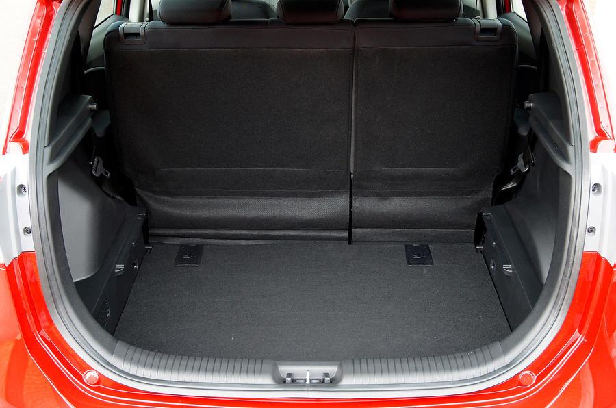 Hyundai ix20 boot space
