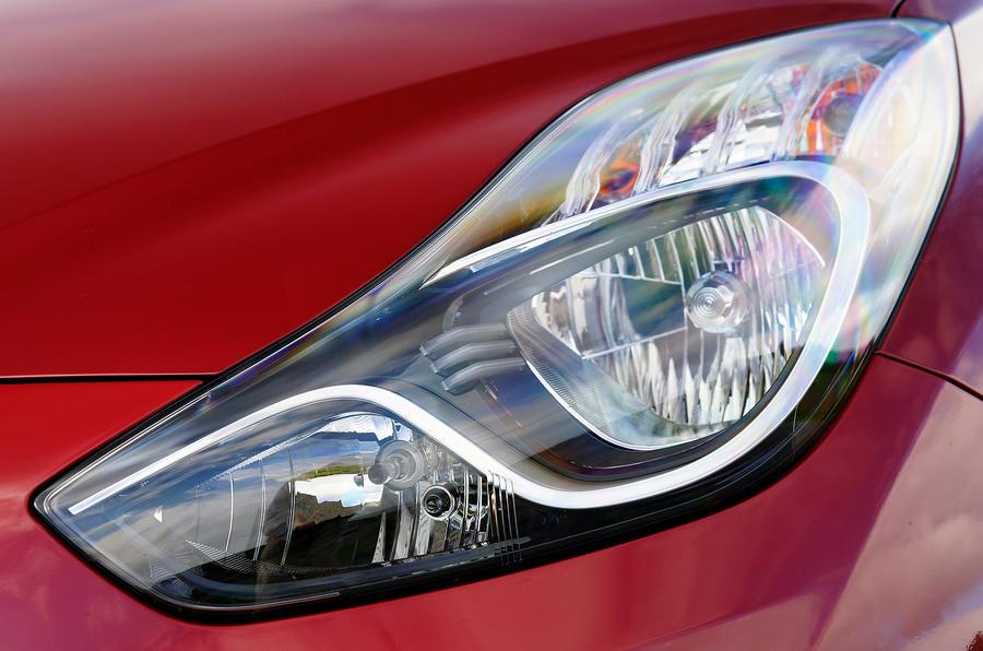 Hyundai ix20 headlight
