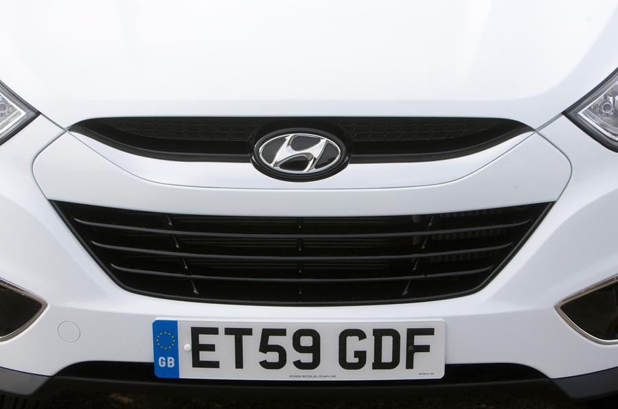 Hyundai ix35 front grille