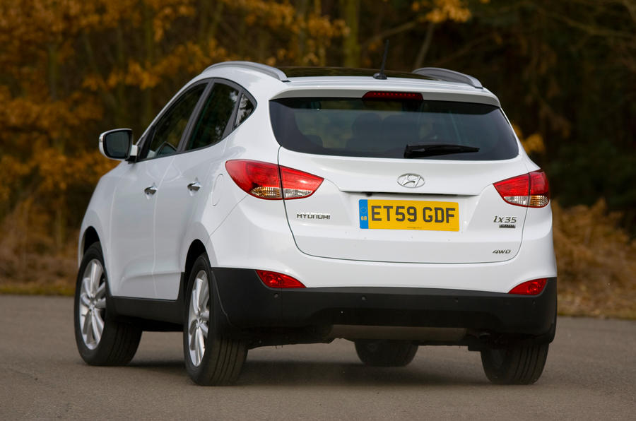 Hyundai ix35 rear cornering