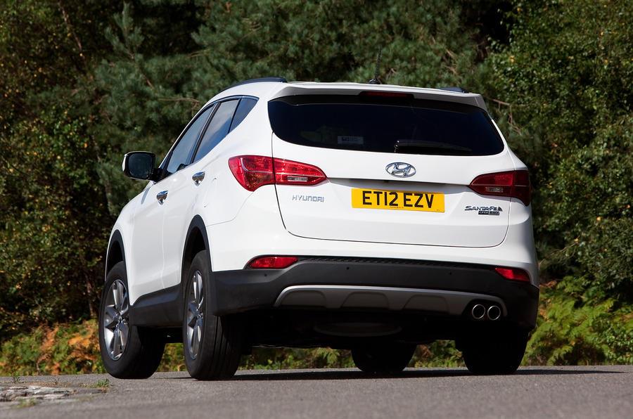 Hyundai Santa Fe rear cornering