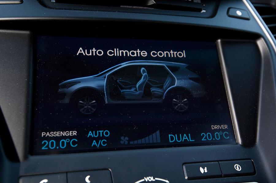 Hyundai Santa Fe infotainment screen