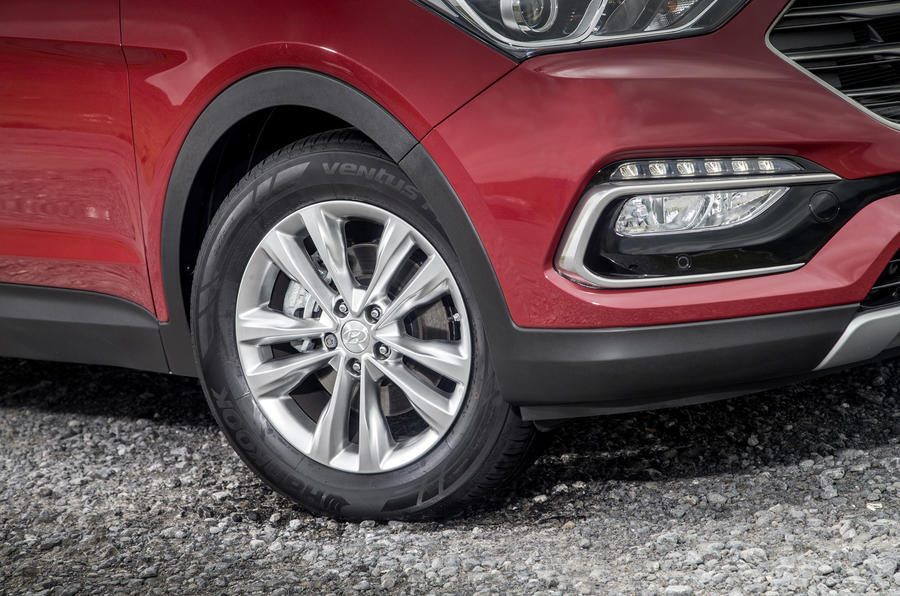 16in Hyundai Santa Fé alloy wheels