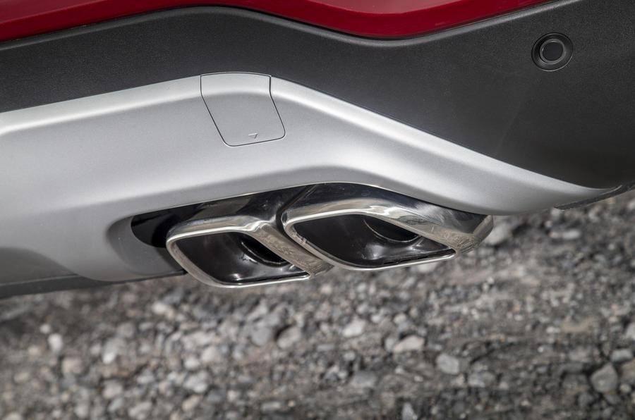 Hyundai Santa Fé twin exhaust system