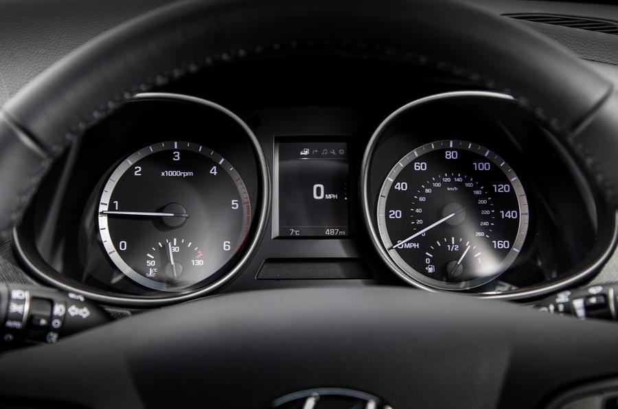 Hyundai Santa Fé instrument cluster