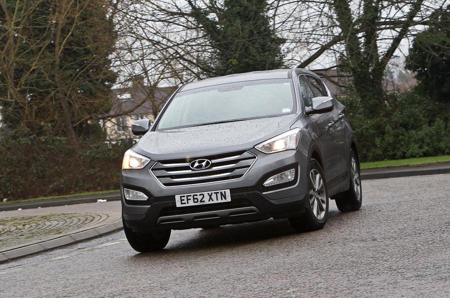 Hyundai Santa Fe cornering
