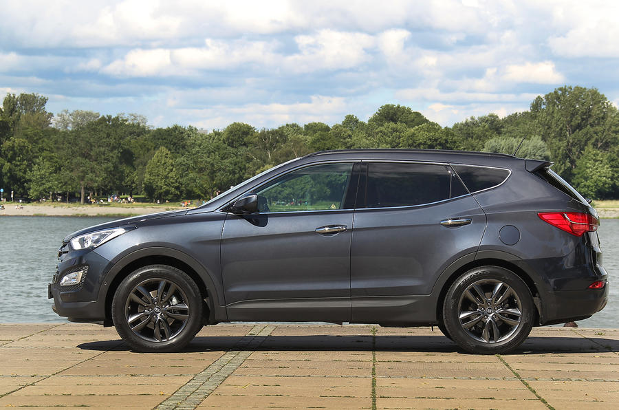 Hyundai Santa Fe side profile