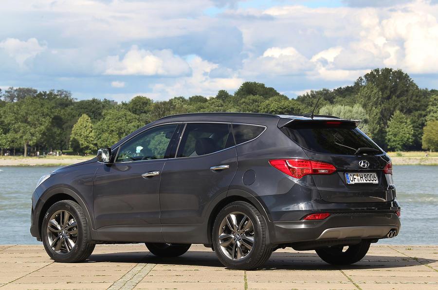 Hyundai Santa Fe rear quarter