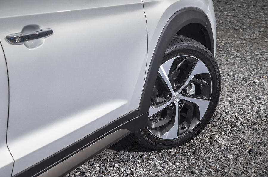 Hyundai Tucson alloy wheels