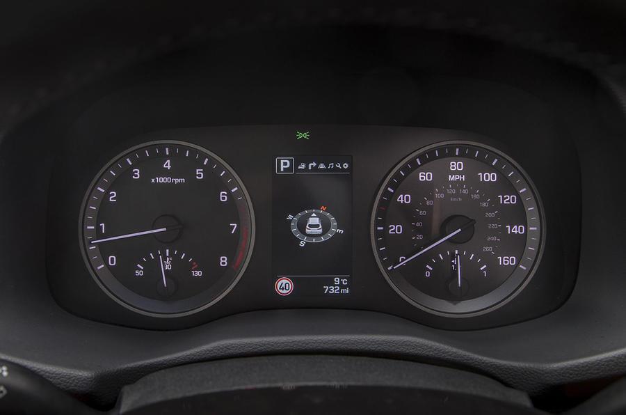 Hyundai Tucson instrument cluster