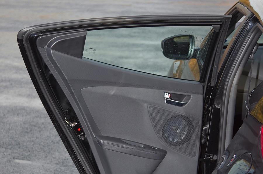Hyundai Veloster rear door