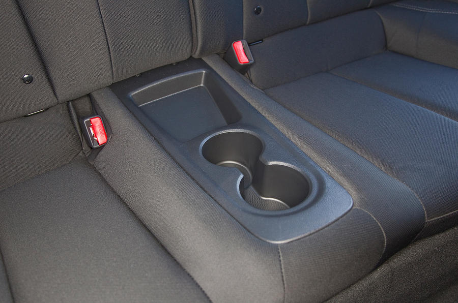 Hyundai Veloster cupholders