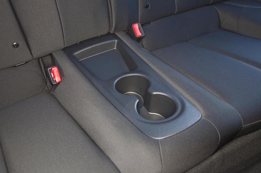 Hyundai Veloster cupholders