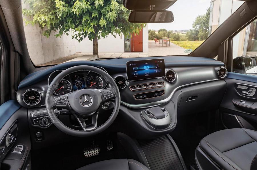Mercedes Benz EQV 2021 LHD : essai routier - tableau de bord