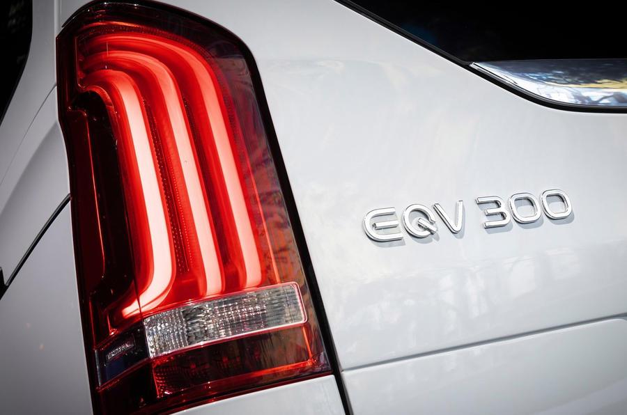 Mercedes Benz EQV 2021 LHD : essai routier - feux arrière